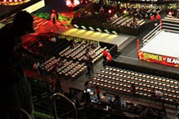 Review: WWE Raw Opener 2015-12-07